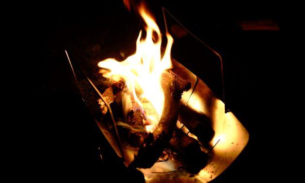 赤松の焚火の勧め